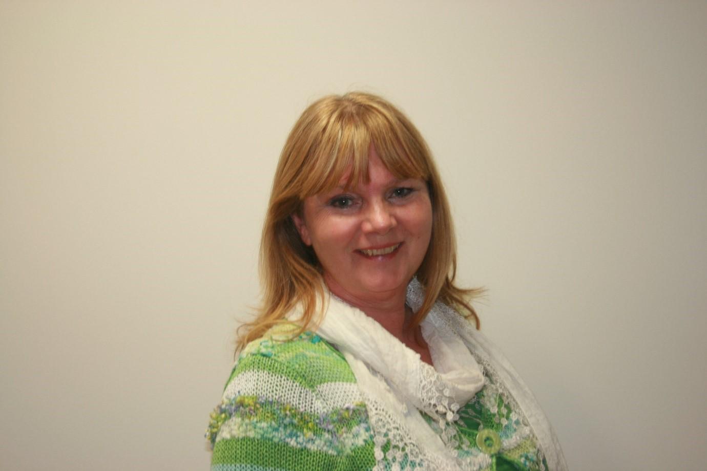 Lillian Moore BA (Hons), MBACP (accred.), EMDR UK.